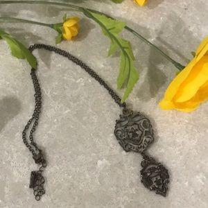 Jewelmint fleur de lis necklace